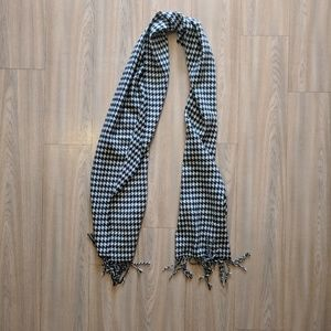Accessories - 100% Cashmere Houndstooth Scarf